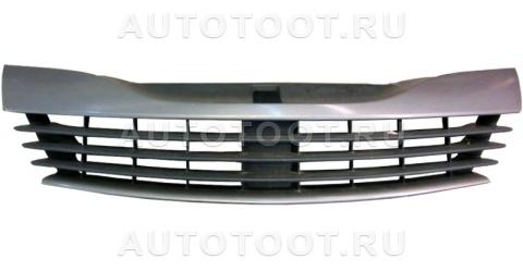 Решетка радиатора (черная) Renault Laguna 2001-2005 год / II