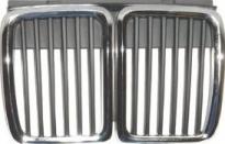 Решетка радиатора центральная (хром, черная) BMW 3SERIES 1983-1987 год / Е30