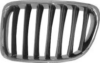 Решетка радиатора левая (хром, серая) BMW X1 2009-2012 год / E84