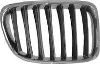 Решетка радиатора правая (хром, серая) BMW X1 2009-2012 год / E84