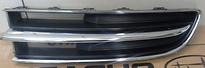 Решетка радиатора левая (хром, черная) SUBARU TRIBECA 2006-2008 год / W10