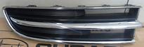 Решетка радиатора правая (хром, черная) SUBARU TRIBECA 2006-2008 год / W10