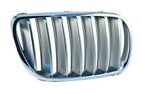 Решетка радиатора правая (хром) BMW X3 2007-2010 год / Е83