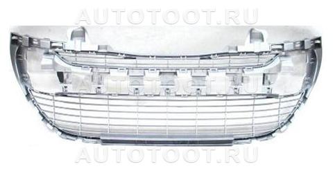 Решетка переднего бампера Peugeot 308 2008-2010 год / I