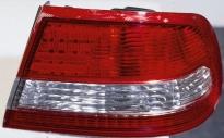 Фонарь задний правый (3L, красно-белый) NISSAN MAXIMA 1994-1998 год / A32