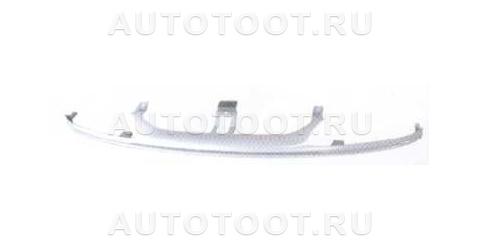 Планка под решетку радиатора Renault Laguna 1998-2001 год / I